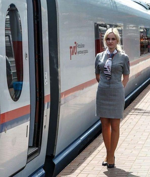 30 железнодорожниц, от которых легко потерять голову