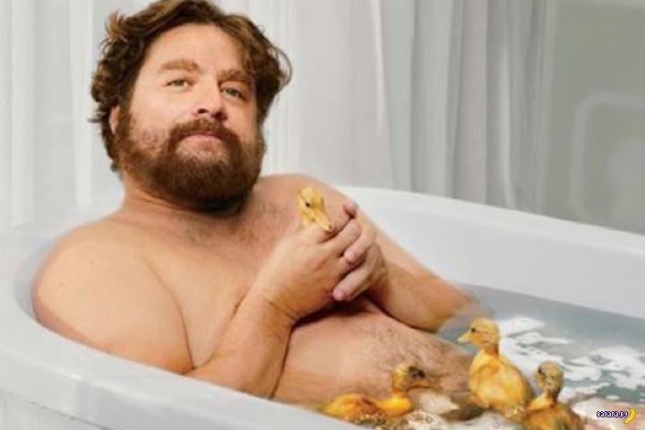 В Красноярске два полных сибиряка застряли в ванне