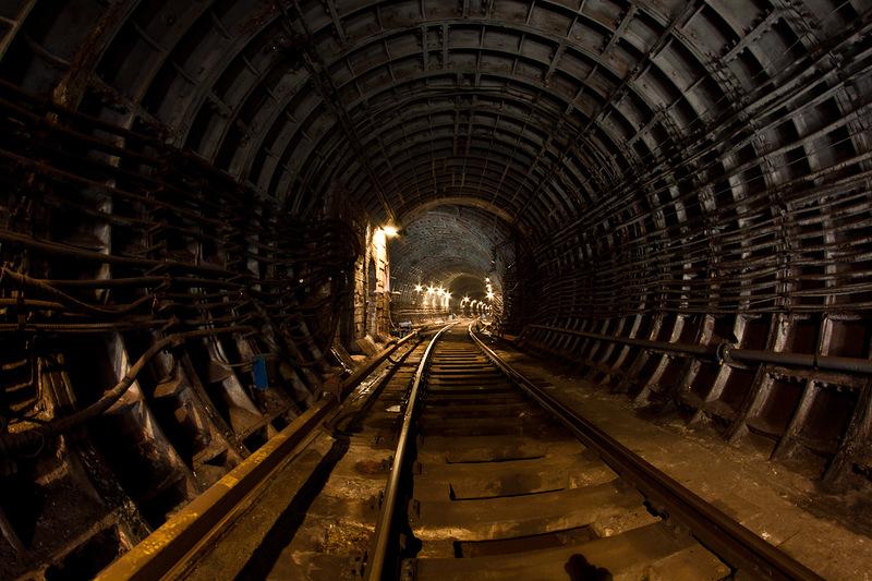 В Москве на продажу выставлена квартира с индивидуальным доступом в метро