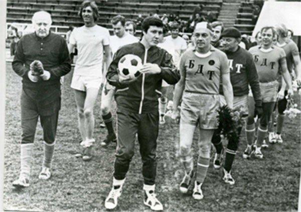 Кирилл Лавров играет за команду Большого театра, конец 70-х