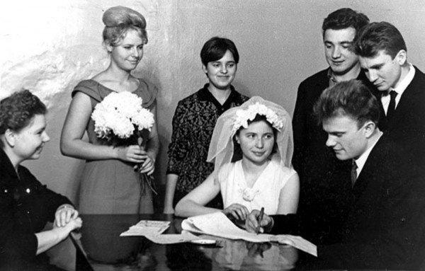 Геннадий Зюганов в браке с Надеждой Амеличевой, 1967 год
