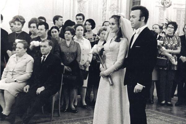 Иосиф Кобзон и Нинель Дризина женятся в 1971 году