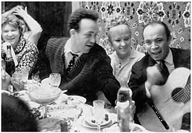 Иосиф Кобзон и Людмила Гурченко, отмечают бракосочетание, 1967 год
