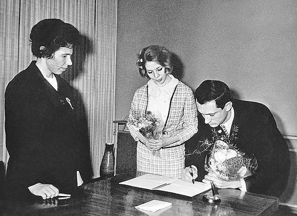 Богдан Ступка и Лариса Корниенко, свадьба, 1967 год