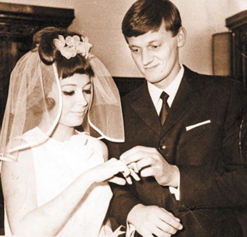 Алла Пугачева и Миколас Орбакас пошли в ЗАГС в 1969 году