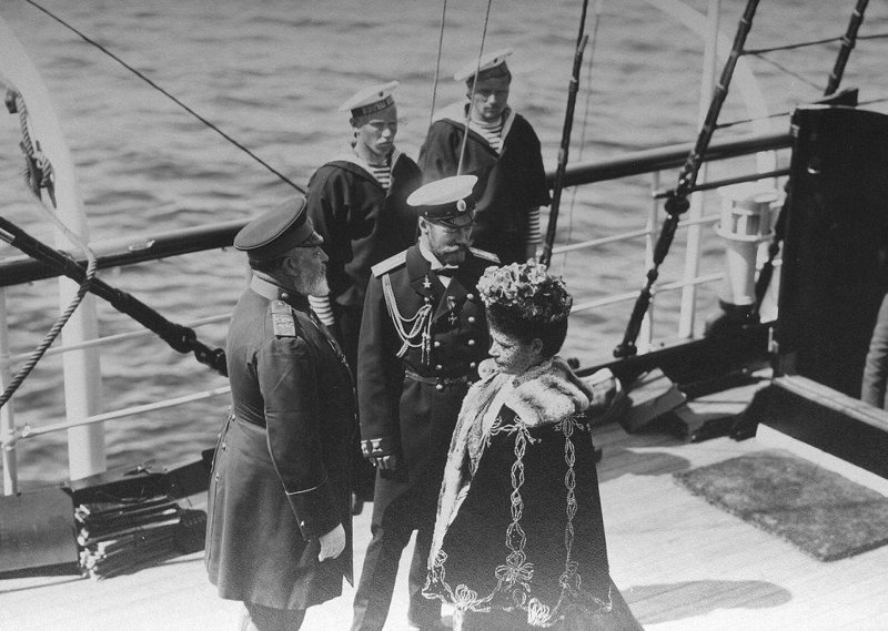 """Николай II встречается с королем Великобритании Эдуардом VII на яхте """"Штандарт"""" . 9 июня 1908 год"""