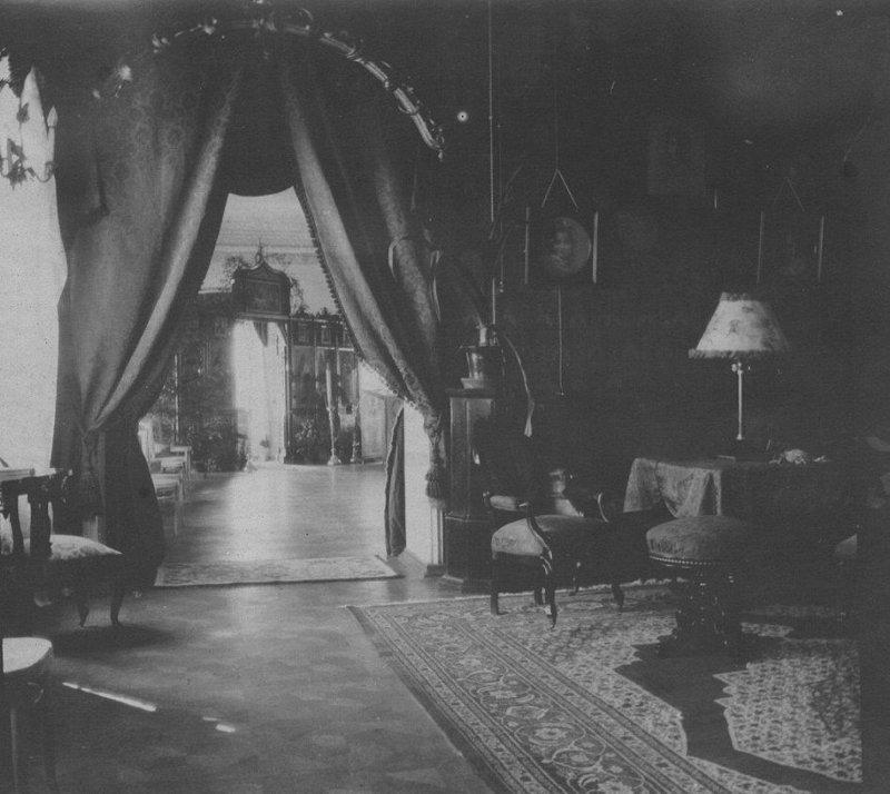 В доме Ипатьева царь и его семья провели последние недели жизни