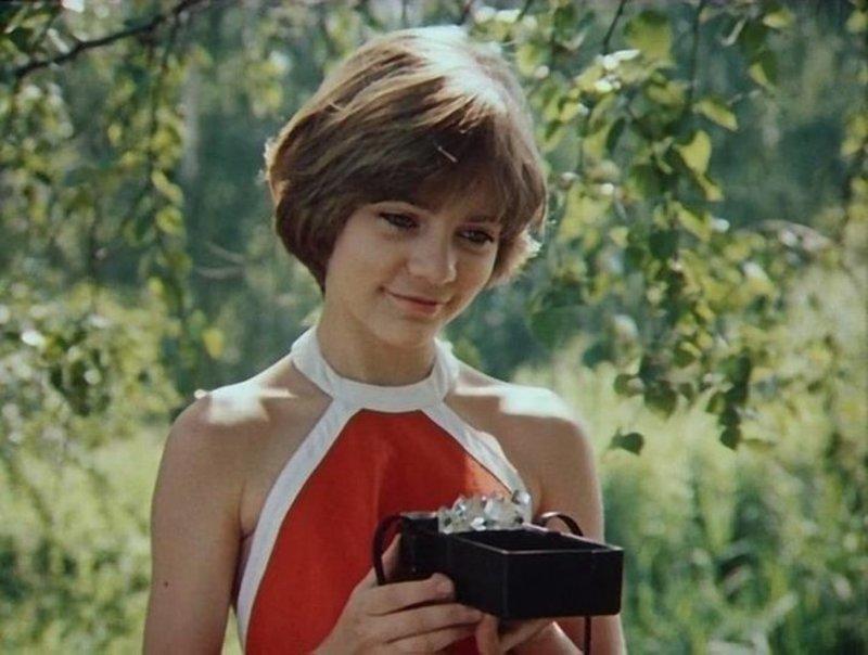 Девушка-подросток Алиса Селезнёва