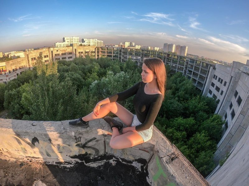 Карлсон вернулся, или Зачем россияне полезли на крыши многоэтажек