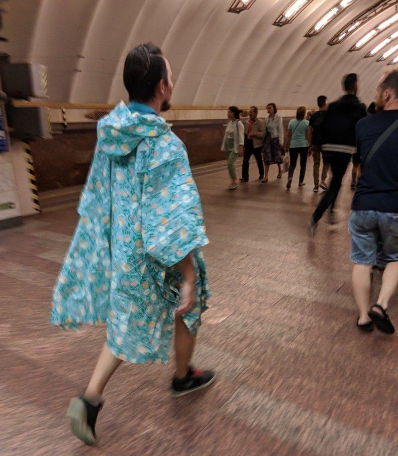 Фрики в российском метро - лучи света в темном царстве толпы