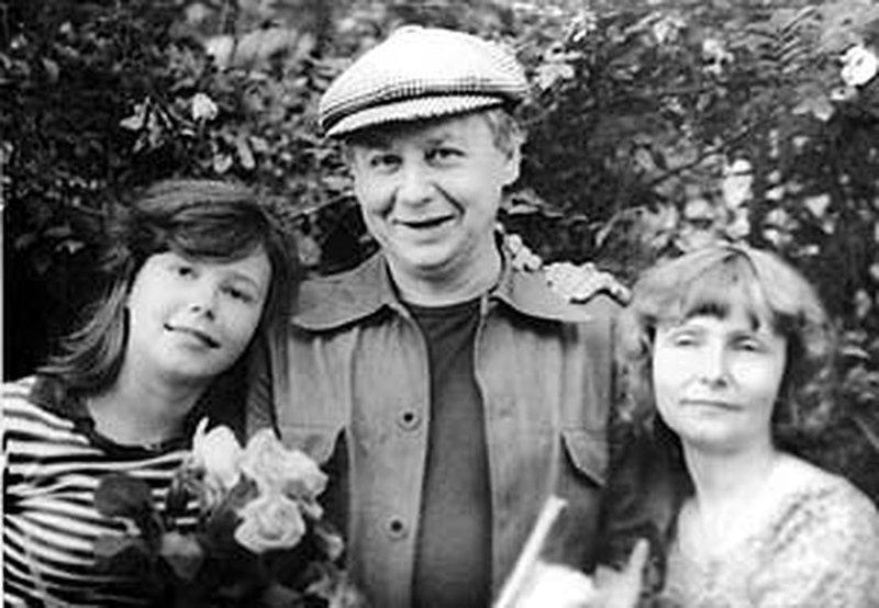 Табакерка: Олег Табаков, жена Людмила и дочь Александра