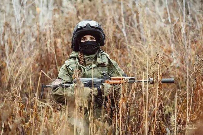 Россиянка в военной форме покоряет интернет-публику