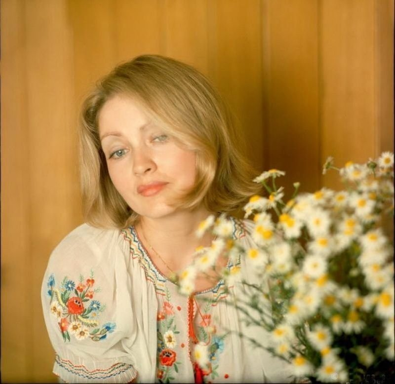 15. Жанна Болотова с букетом