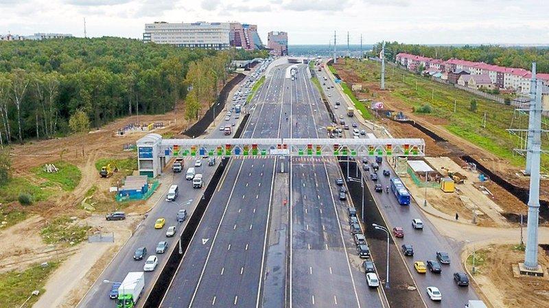Строители планируют создание трех мостов через реку Сосенки, в том числе один – трехполосный. Кроме того, на Калужском шоссе будет установлено 11 шумозащитных экранов.