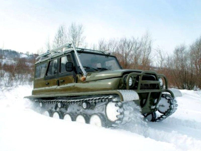 Гусеничный плавающий снегоболотоход ЗВМ 2410