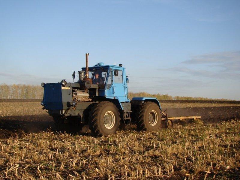 ХТЗ Т-150 - одна из лучших разработок Харьковского тракторного завода
