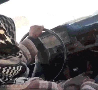 Залезьте в машину и схитрите