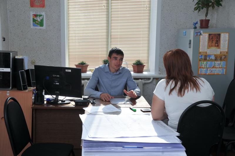 Первый парень на деревне: в Черноземье одно из сел возглавил 24-летний студент