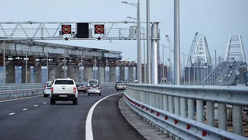 Россияне начали штурм Крыма через новый мост
