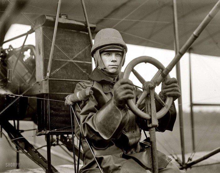 Игорь Иванович Сикорский, создавший первый в мире пассажирский самолет с салоном