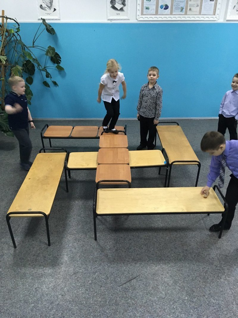 Все начинается с 1 класса, первые сюрпризы уже тут девушки, образовование, прикол, учитель, школа, школьники, юмор