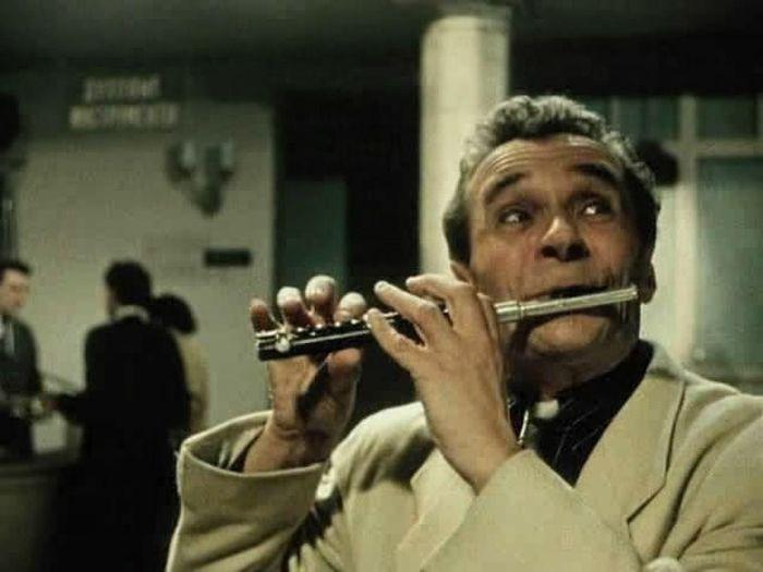 Француз, сыгравший русских маргиналов: Бабу Ягу, Водяного и Кощея Бессмертного