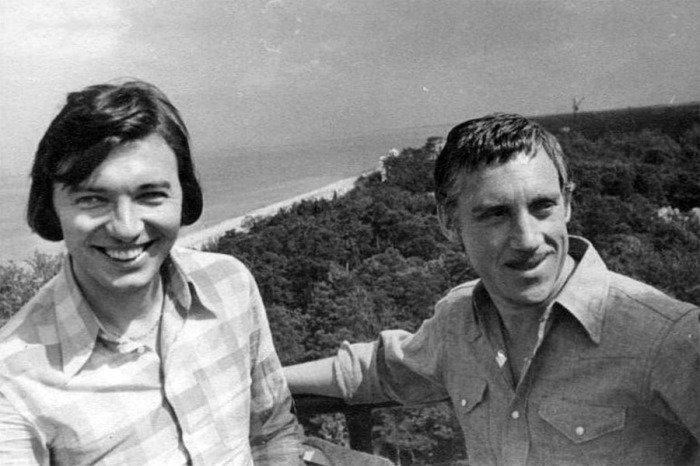 Карел Готт и Владимир Высоцкий отдыхают в Латвии, 1972 года.