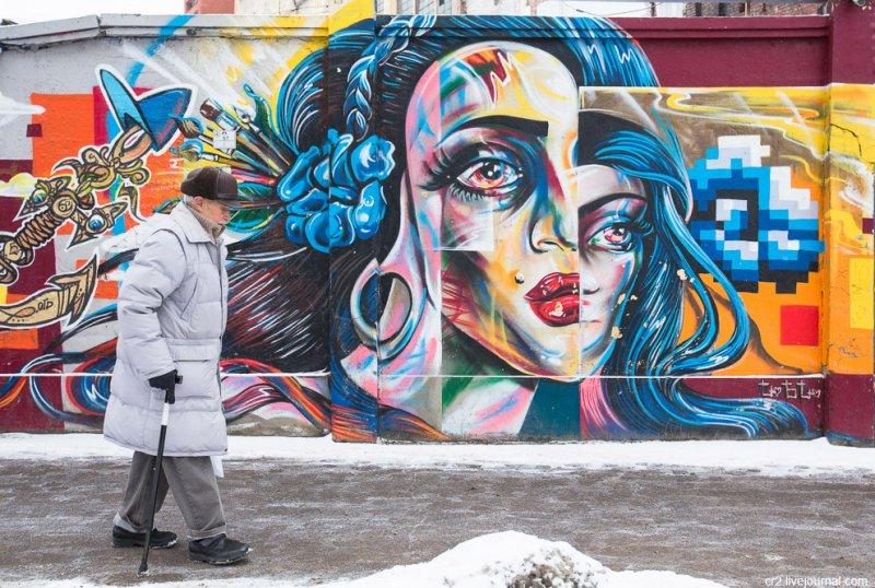 Отчаявшиеся жители Петербурга борются с уродствами города с помощью стрит-арта