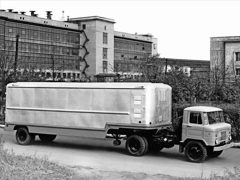 Один из первых образцов тягача ГАЗ-53П