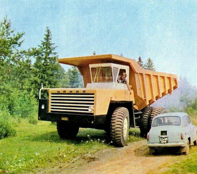 Самый большой и самый маленький: БелАЗ-540 и ЗАЗ-965
