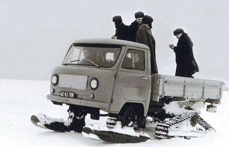 УАЗ-451С, испытания этого автомобиля шли в очень тяжелых условиях