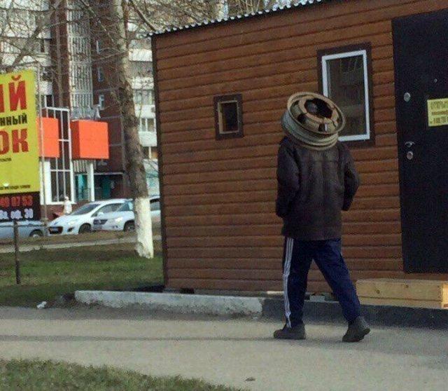 А в таких шапках ходят на Химмаш