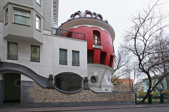Таинственный особняк: почему никто не хочет жить в доме-яйце? дом-яйцо, лужковская эпоха, москва, недвижимость