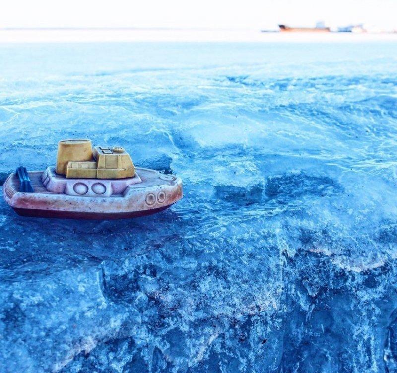 Корабль вышел в Онежское озеро и пропал... Вернулся через 30 лет, но его уже никто не ждет.