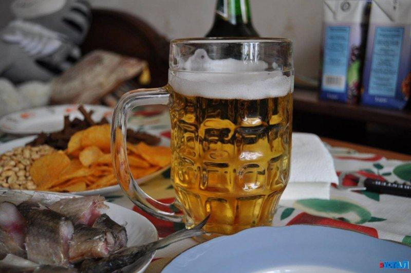 Губит людей не пиво, губит людей вода...