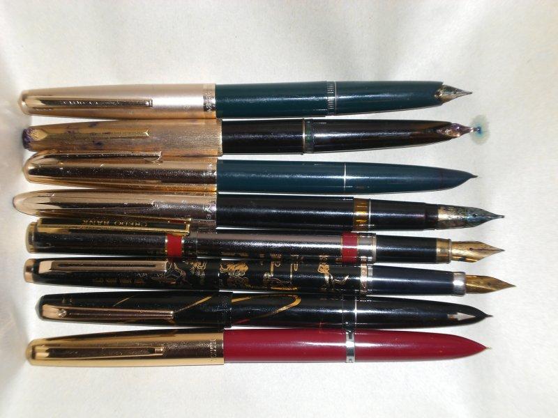А затем появились ручки с разными приспособлениями для набора чернил - как шприц, как насос, со сменными емкостями