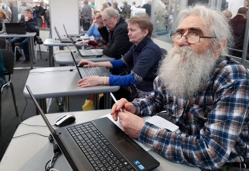Нежный возраст: экс-пенсионеры потеряют деньги, но сохранят льготы