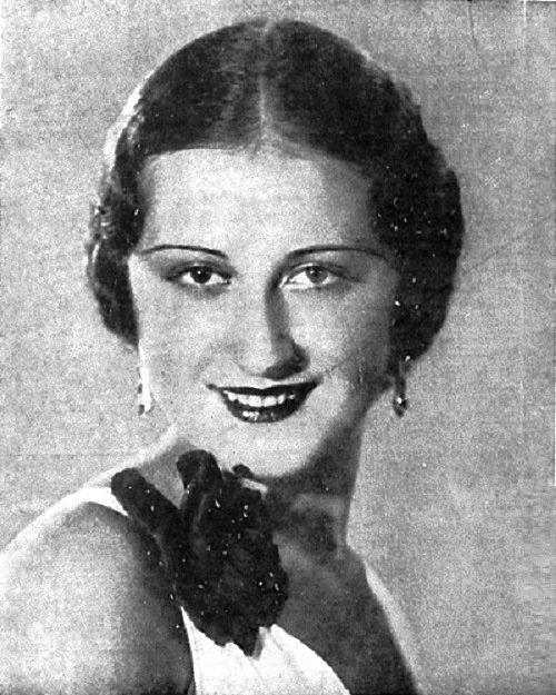 Самая красивая девушка среди русских по версии французского конкурса за 1934 год - Екатерина Антонова