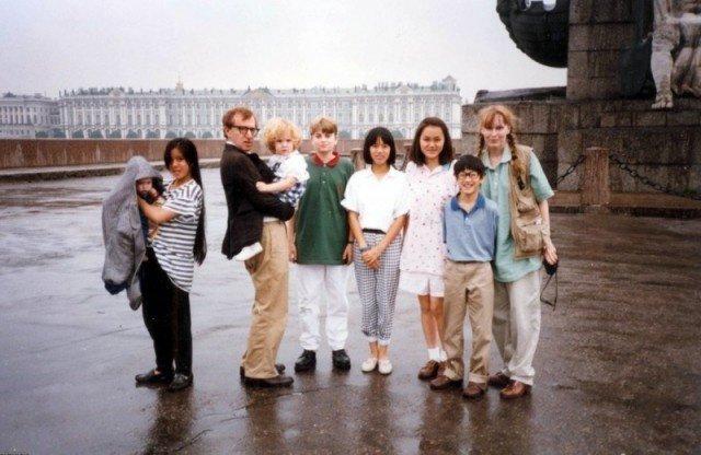 Вуди Аллен посетил Ленинград в 1987 году. На фото - его семья