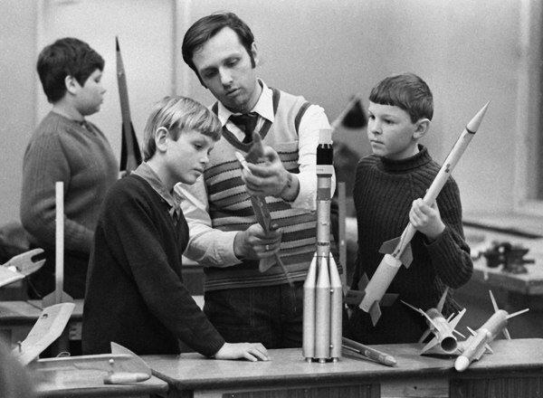 Кружок моделирования ракет, освоение космоса начиналось с детства