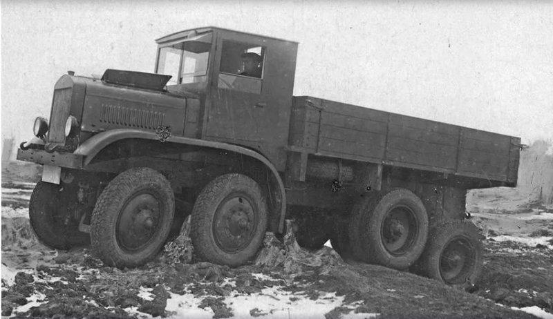 1. Итак, знакомьтесь, наиболее заслуженный представитель семейства советских внедорожников - ЯГ-12