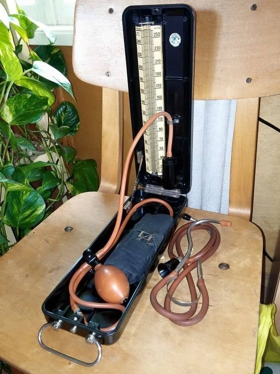 Прибор для измерения давления - тонометр
