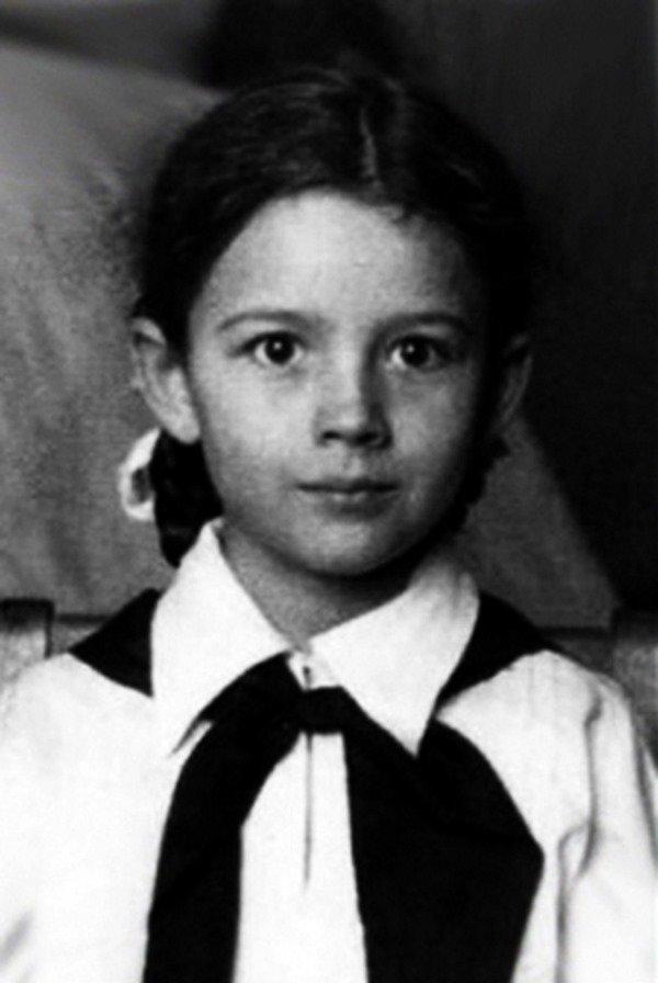 Будущая кавказская пленница Наталья Варлей