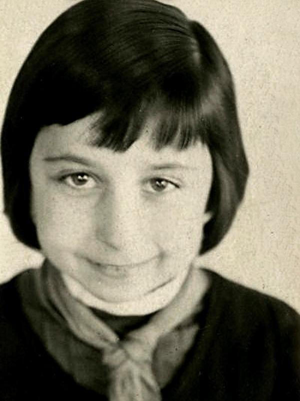 Честь и достоинство российского кино - Лия Ахеджакова