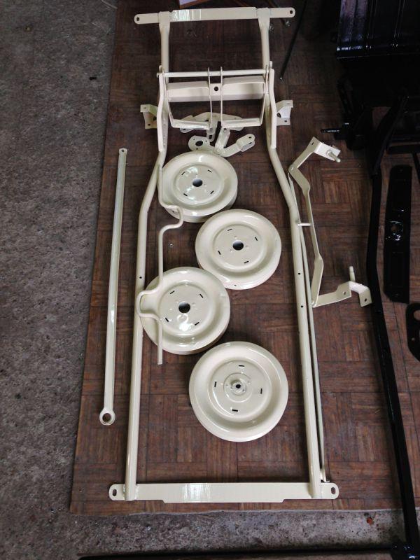 Как папа порадовал сына: реставрация уникальной детской машинки