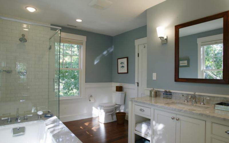 5 причин пробить окно в туалет