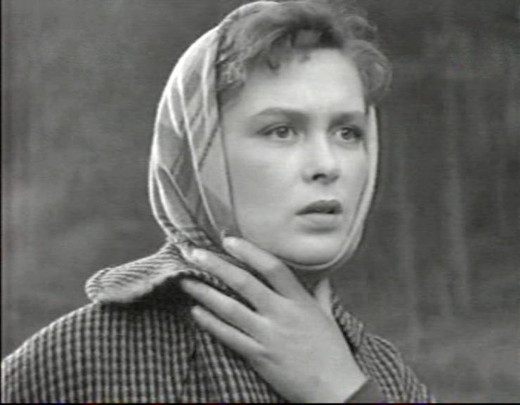 Изольда Извицкая. Невероятная слава и зрительская любовь обрушились на актрису после фильма «Сорок первый».