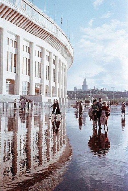 "Стадион ""Лужники"" после дождя, 1960-е"