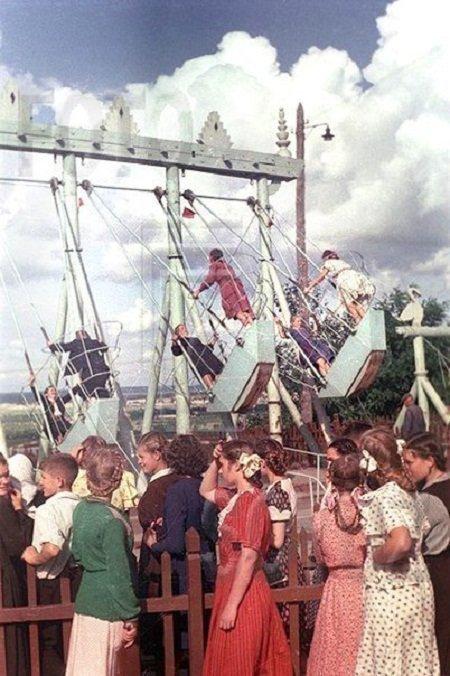 Качели в Киеве, 1950-е