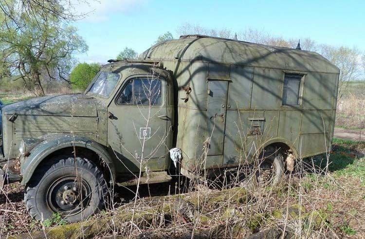 Поклонники ГАЗ-63 отыскали такой грузовик в одной из деревень и взялись за его реконструкцию.